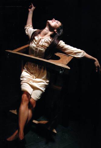 """Flavie Avargues dans """"L'enseigneur"""" en 2008"""